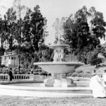 1911_Fountain_Photo_rescan_cras_8bitGrayscale_m