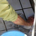 Sara_CleaningVaultTiles_17Apr2015_s_5812